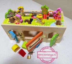 Cutia incuie si descuie din lemn  cu forme si animale - Joc montessori Cutia cu incuietori1
