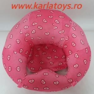 Fotoliu din plus bebe Sit Up  colorate roz cu inimioare4