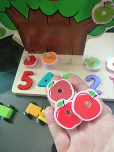 Joc din Lemn Pomul Multifunctional, Pista, Cifre si Fructe6
