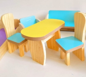 Set Mobilier din lemn pentru papusi dora2