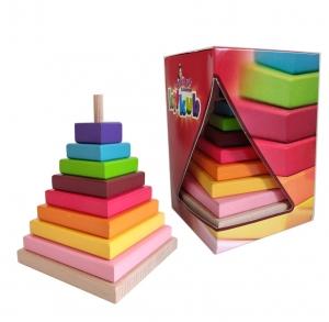 Piramida din Lemn Crucubeu1