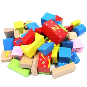 Set cuburi din lemn cu ghiozdan5
