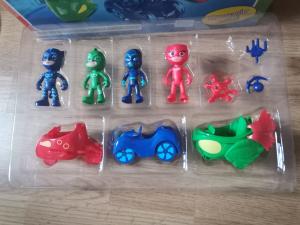 Set figurine cu masinute Eroii in Pijama4