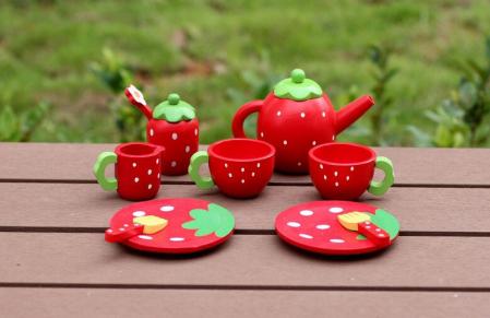 Set din lemn Cutia de picnic Capsuni Ceai si Tort6