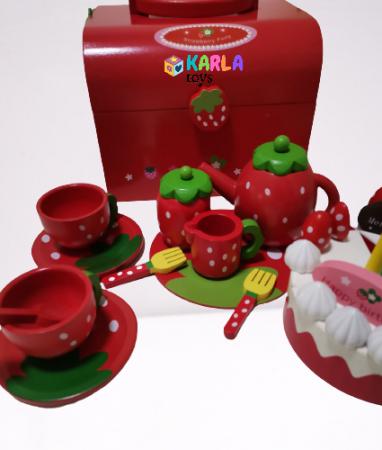 Set din lemn Cutia de picnic Capsuni Ceai si Tort1