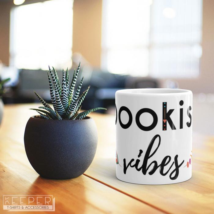 "Cana - ""Bookish vibes"" [1]"