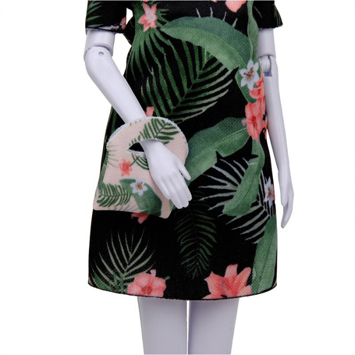 Atelierul de creatie vestimentara floral Couture, Dress Your Doll 6