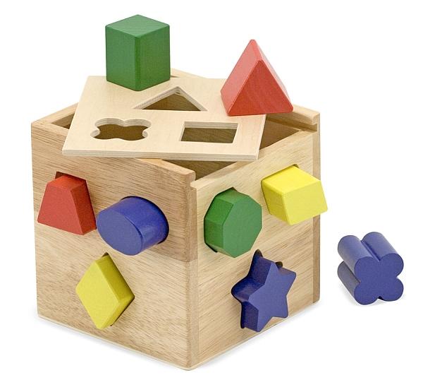 Cub din lemn cu forme de sortat Melissa and Doug 1