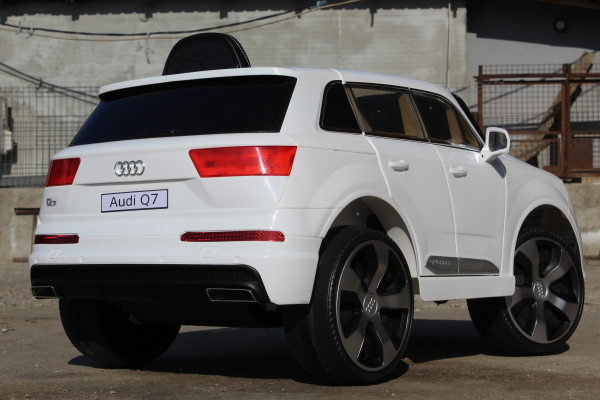 Masinuta electrica Audi Q7 2x35W 12V, Scaun tapitat #ALB 6