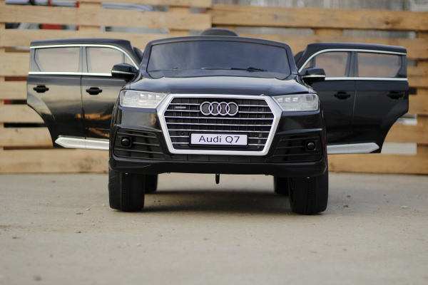 Audi Q7 Negru, 2 x 35W, pentru copii 2-7 ani 2