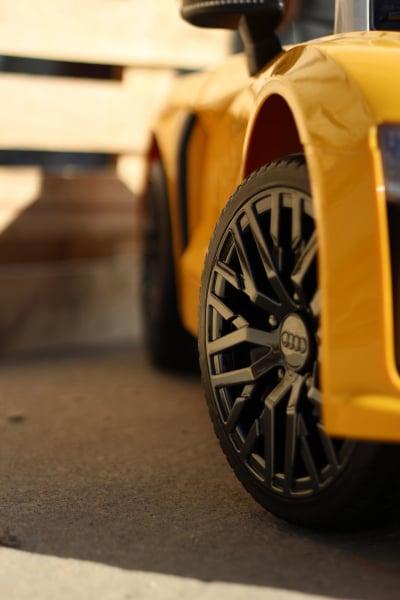 Masinuta electrica Audi R8 Spyder 2x35W 12V PREMIUM #Galben 6
