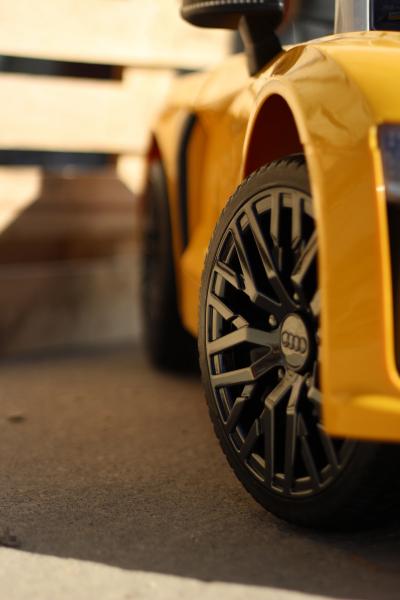 Audi R8 Spyder electric galben, copii 2-6 ani 6