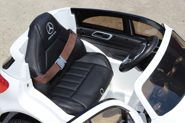 Masinuta electrica Mercedes A45 AMG PREMIUM 12V #ALB 5