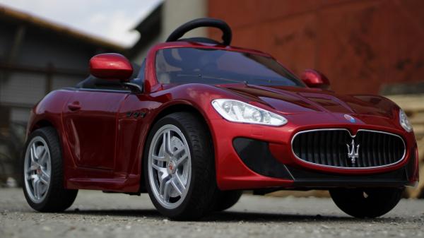 Masinuta electrica Maserati Kids CU ROTI MOI 2x 35W 12V #Rosu 2