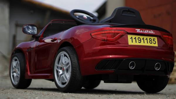 Masinuta electrica Maserati Kids CU ROTI MOI 2x 35W 12V #Rosu 4