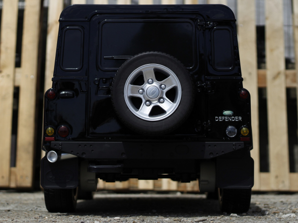 Masinuta electrica Land Rover Defender 2x35W 12V cu ROTI MOI #Negru 3