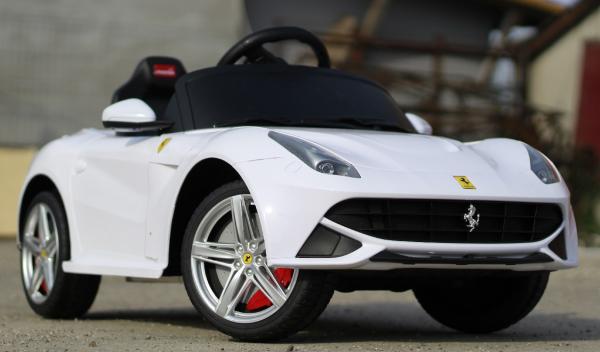 Masinuta electrica Ferrari F12 1x 25W STANDARD 12V #Alb 1