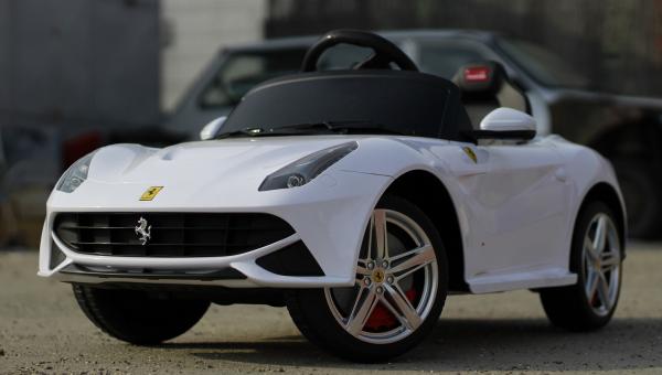 Masinuta electrica Ferrari F12 1x 25W STANDARD 12V #Alb 2
