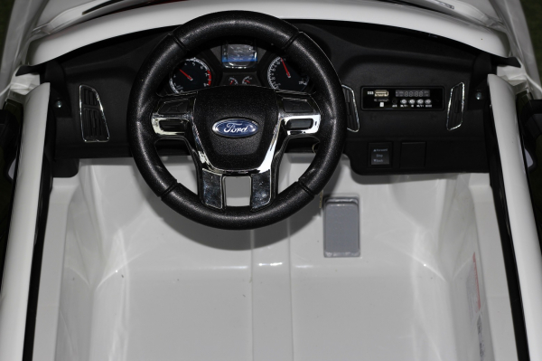 Masinuta electrica Ford Focus RS alb, copii 2-7 ani 6