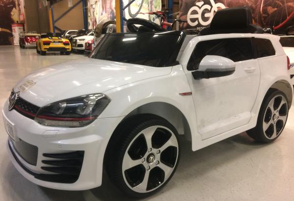 Masinuta electrica pentru copii VW Golf GTI, alb 1