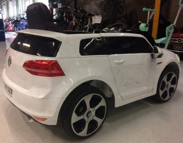 Masinuta electrica pentru copii VW Golf GTI, alb 2