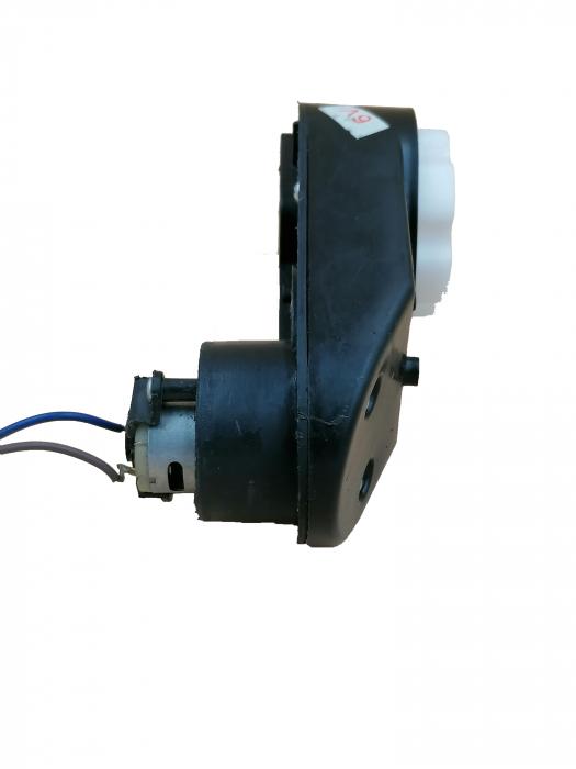 Motoras electric si reductor 6V pentru atv 1