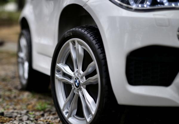Masinuta electrica BMW X6M 2x35W 12V PREMIUM #Alb 5