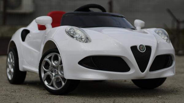 Masinuta electrica Alfa Romeo 4C 2x 15W STANDARD #Alb 2