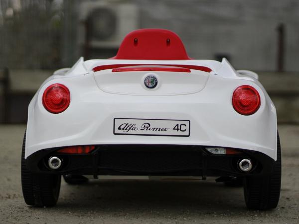 Masinuta electrica Alfa Romeo 4C 2x 15W STANDARD #Alb 4