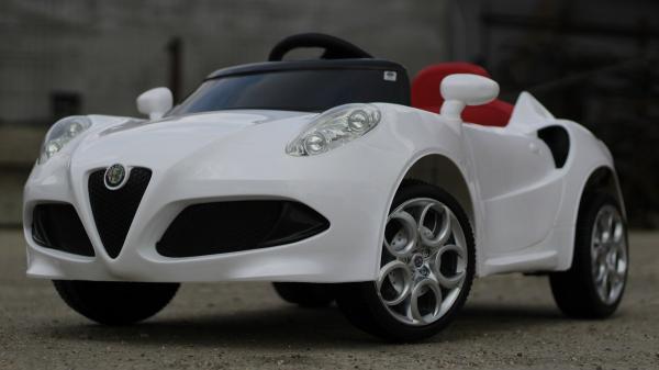 Masinuta electrica Alfa Romeo 4C 2x 15W STANDARD #Alb 3