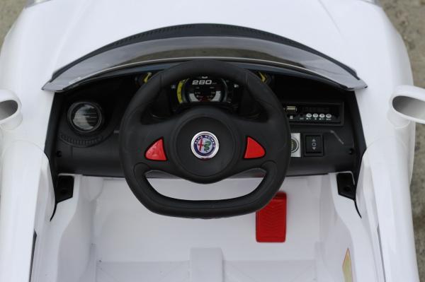 Masinuta electrica Alfa Romeo 4C 2x 15W STANDARD #Alb 5
