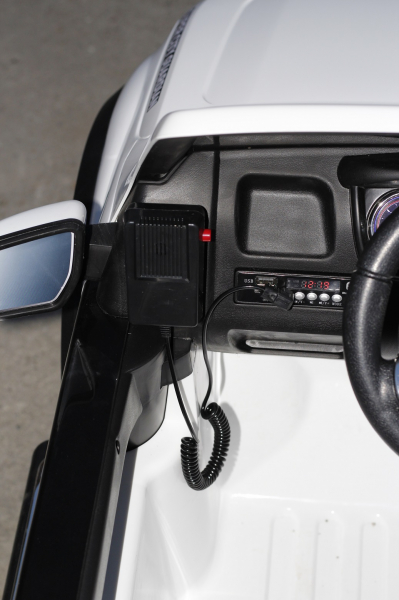 Masinuta electrica Ford Ranger F650 POLICE STANDARD 2x 35W 12V #Alb 6