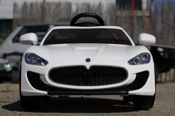 Masinuta electrica Maserati Kids CU ROTI MOI 2x 35W 12V #Alb 1