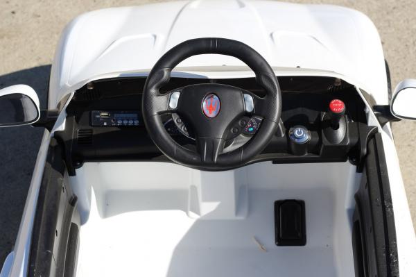 Masinuta electrica Maserati Kids CU ROTI MOI 2x 35W 12V #Alb 7
