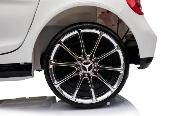 Masinuta electrica Mercedes GLA 45 2x30W STANDARD #Alb 5