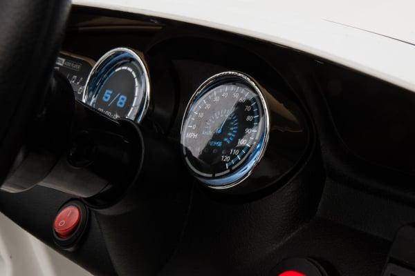 Masinuta electrica Mercedes GLA 45 2x30W STANDARD #Alb 8