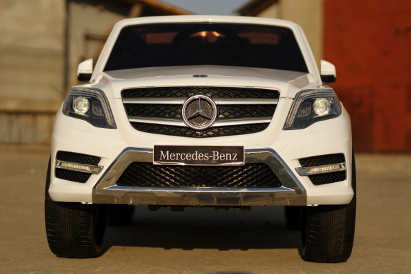 Masinuta electrica Mercedes GLK350 PREMIUM 2x35W 2X6V #Alb 1