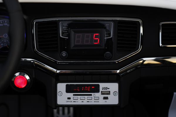 Masinuta electrica copii 2-6 ani VW Amarok alba [6]