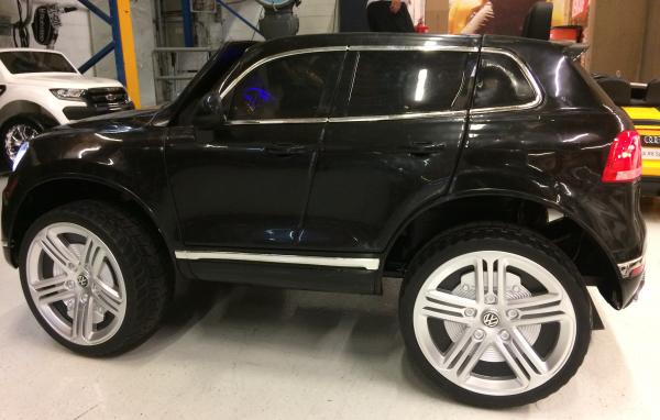 Masinuta electrica VW Touareg CU ROTI MOI 2x 35W 12V #Negru 6