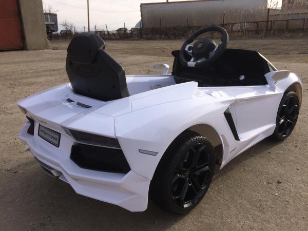Masinuta electrica Lamborghini Aventador LP 700-4 STANDARD #Alb 3