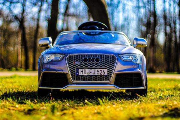 Masinuta electrica Audi RS5 2x35W STANDARD 12V MP3 #Gri 1