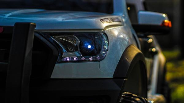 Masinuta electrica Ford Ranger POLICE 90W cu Scaun TAPITAT #Alb 5