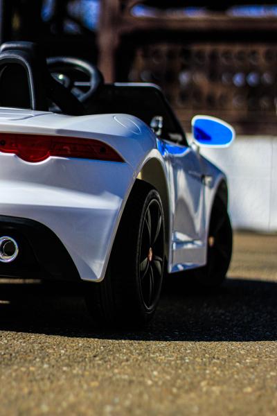 Masinuta electrica Jaguar F Type cu ROTI MOI 2x 35W 12V #ALB 14