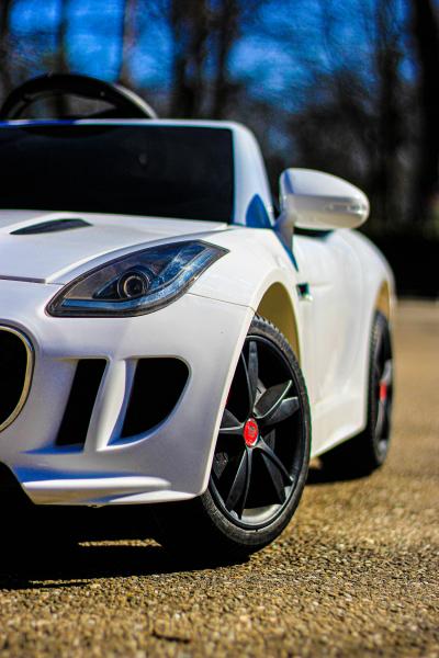 Masinuta electrica Jaguar F Type cu ROTI MOI 2x 35W 12V #ALB 13