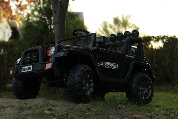 Masinuta electrica Jeep BRD-7588 90W 12V cu Scaun Tapitat #Negru 1