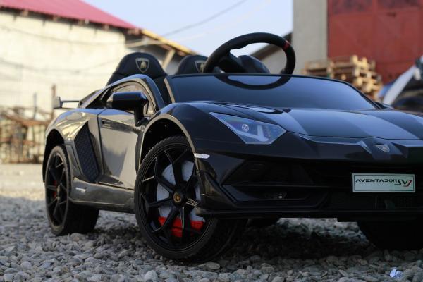 Masinuta electrica Lamborghini Aventador SVJ 2x35W 12V PREMIUM #Negru 1