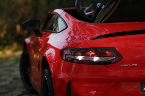 Masinuta electrica Mercedes C63 12V PREMIUM #Rosu 9