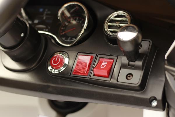 Masinuta electrica Mercedes C63 12V STANDARD #Alb 7
