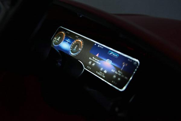 Masinuta electrica Mercedes EQC400 70W 12V STANDARD #Negru [3]
