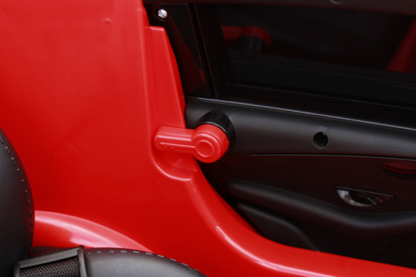 Masinuta electrica Mercedes EQC400 70W 12V STANDARD #Rosu 13